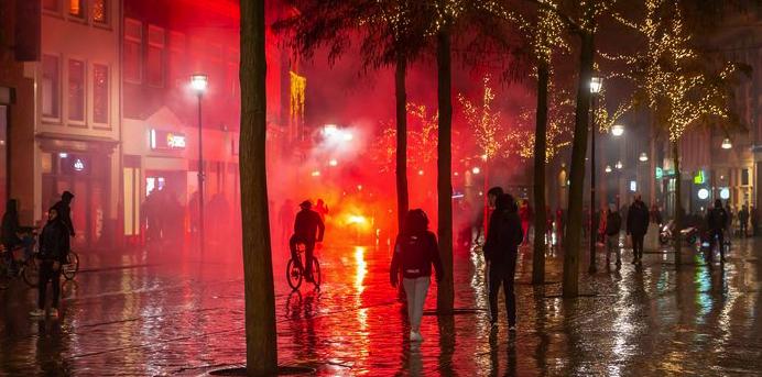 Cameratoezicht tijdens de avondklokrellen in Zwolle
